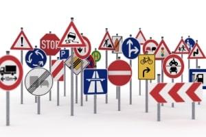 Richtzeichen dienen in erster Linie zur Erleichterung des Verkehrs.