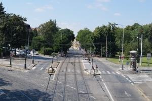 Schienenfahrzeuge müssen den Passanten am Zebrastreifen keinen Vorrang gewähren.