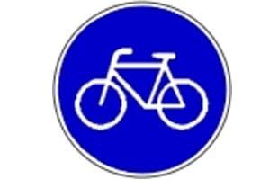 """""""Nur für Radfahrer"""": Ein blaues Schild zeigt die Radwegebenutzungspflicht an."""