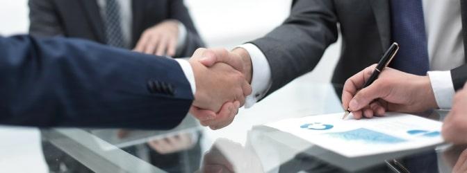 Beim Abschluss einer Teil- oder Vollkaskoversicherung müssen Sie sich entscheiden, ob Sie einen Selbstbehalt zahlen wollen.