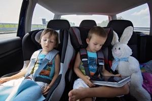 Der Sicherung von Kindern kommt bei der Personenbeförderung besondere Aufmerksamkeit zu.