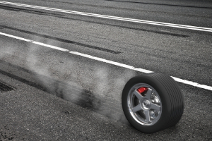 Es ist gefährlich, mit Sommerreifen im Winter zu fahren