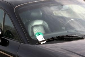 Die Konsequenz besteht meist aus einem Strafzettel, wenn Sie in einer Einbahnstraße falsch parken.