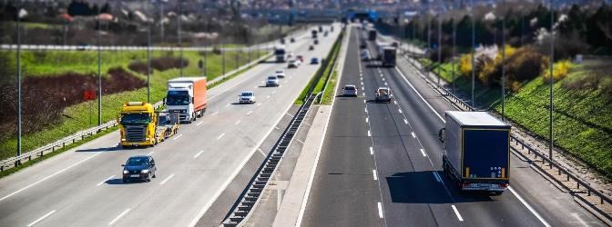 Die StVO gliedert sich in drei Teile und gilt für alle Verkehrsteilnehmer.