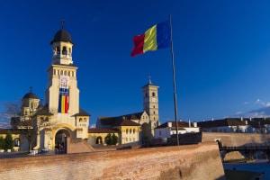 Für Fahranfänger gilt zum Teil ein geringeres Tempolimit in Rumänien.