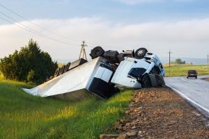 Ein tödlicher Lkw-Unfall kann möglicherweise vermieden werden, wenn Sie den Schulterblick nicht vergessen.