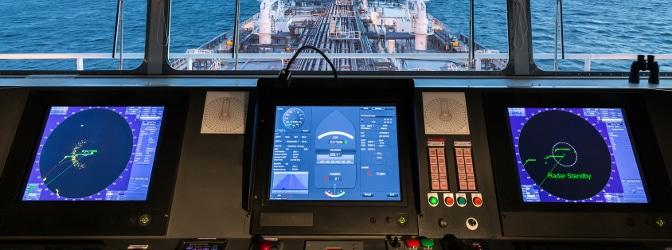 Radar wird nicht nur im Schiffsverkehr, sondern auch bei der Verkehrsüberwachung eingesetzt. So dient etwa der TRAFFIPAX Speedoguard der Aufbewahrung des Radar-Blitzers Speedophot.