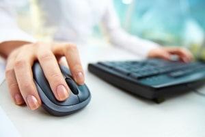 Übersetzer für den Führerschein finden Sie sowohl vor Ort als auch online.