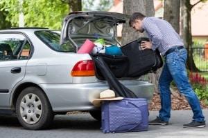 Überstehende Ladung kommt auch häufig vor, wenn es mit dem Auto in den Urlaub geht.