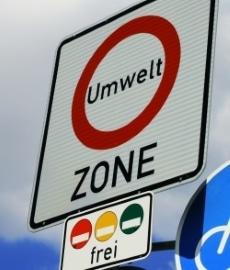 Für das Befahren einer Umweltzone wird keine blaue Plakette benötigt.