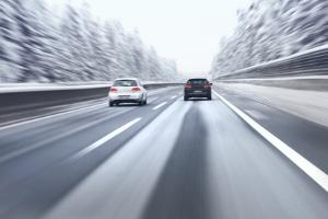 Schlechte Wetterbedingungen können einen Unfall auf der Autobahn begünstigen.
