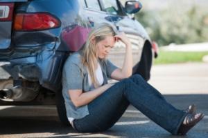 Nach einem Unfall droht ein Führerscheinentzug auch, wenn Sie Fahrerflucht begehen.