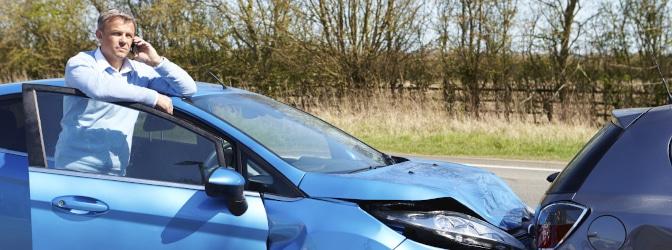Unfall mit dem Neuwagen: Haben Sie Anspruch auf ein Ersatzfahrzeug?