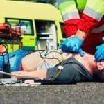 Eine Unfallflucht mit Personenschaden kann das Leben eines Verletzten gefährden