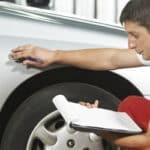 Ein Unfallgutachten dient dazu, den entstandenen Schaden zu erfassen und den Geschädigten zu helfen.
