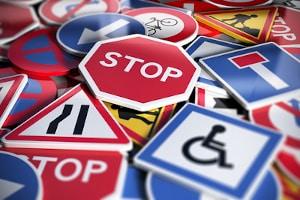 Wo dürfen Sie in Ungarn laut Straßenverkehrsordnung parken und wo nicht?