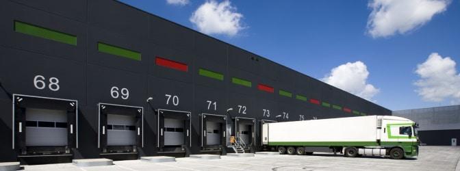 Ebenso wie die Fahrerkarte wird die Unternehmenskarte bei Lkw mit digitalem Tachographen benötigt. Diese gehört aber dem Betrieb.