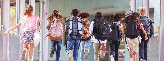 Die Verkehrserziehung an der Grundschule trägt zur Verkehrssicherheit der Kinder bei.