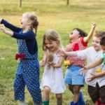 Bei der Verkehrserziehung im Kindergarten wird unter anderem die Bewegungssicherheit trainiert.