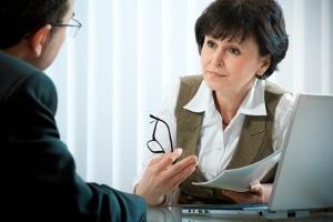 Verkehrspsychologische Beratung: Das Gespräch mit einem Berater kann Ihr Problembewusstsein stärken und Sie zu einer Verhaltensänderung bewegen.