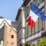 Informieren Sie sich lieber vor Ihrem Urlaub, welche Verkehrsregeln in Frankreich gelten.