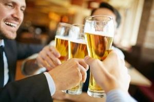 Alkohol am Steuer: Die Verkehrsregeln in Schweden schreiben harte Sanktionen vor.