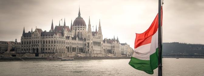 Was schreiben die Verkehrsregeln von Ungarn bei einem Unfall oder winterlichen Verhältnissen vor?