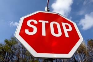 Bekannte Verkehrsschilder: Die Bedeutung des Stop-Schildes ist den meisten geläufig.