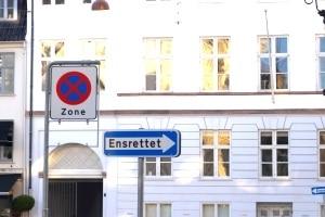 Verkehrszeichen sind in Dänemark immer zu beachten.