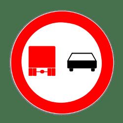 Dieses Verkehrszeichen kündigt ein Überholverbot für Lkw an.