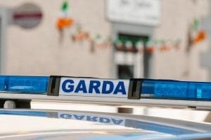 Die allgemeinen Vorfahrtsregeln gelten in Irland, wenn Verkehrszeichen nichts Gegenteiliges bestimmen.