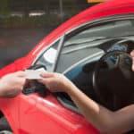 Die Fahrerlaubnis kann bei schweren Verstößen vorläufig entzogen werden,