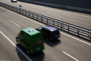 Wann ist rechts zu überholen außerorts erlaubt?