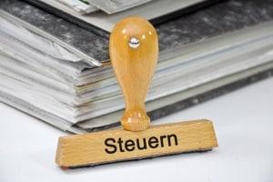 Das Wechselkennzeichen bringt in Deutschland momentan keine Steuererleichterungen mit sich.